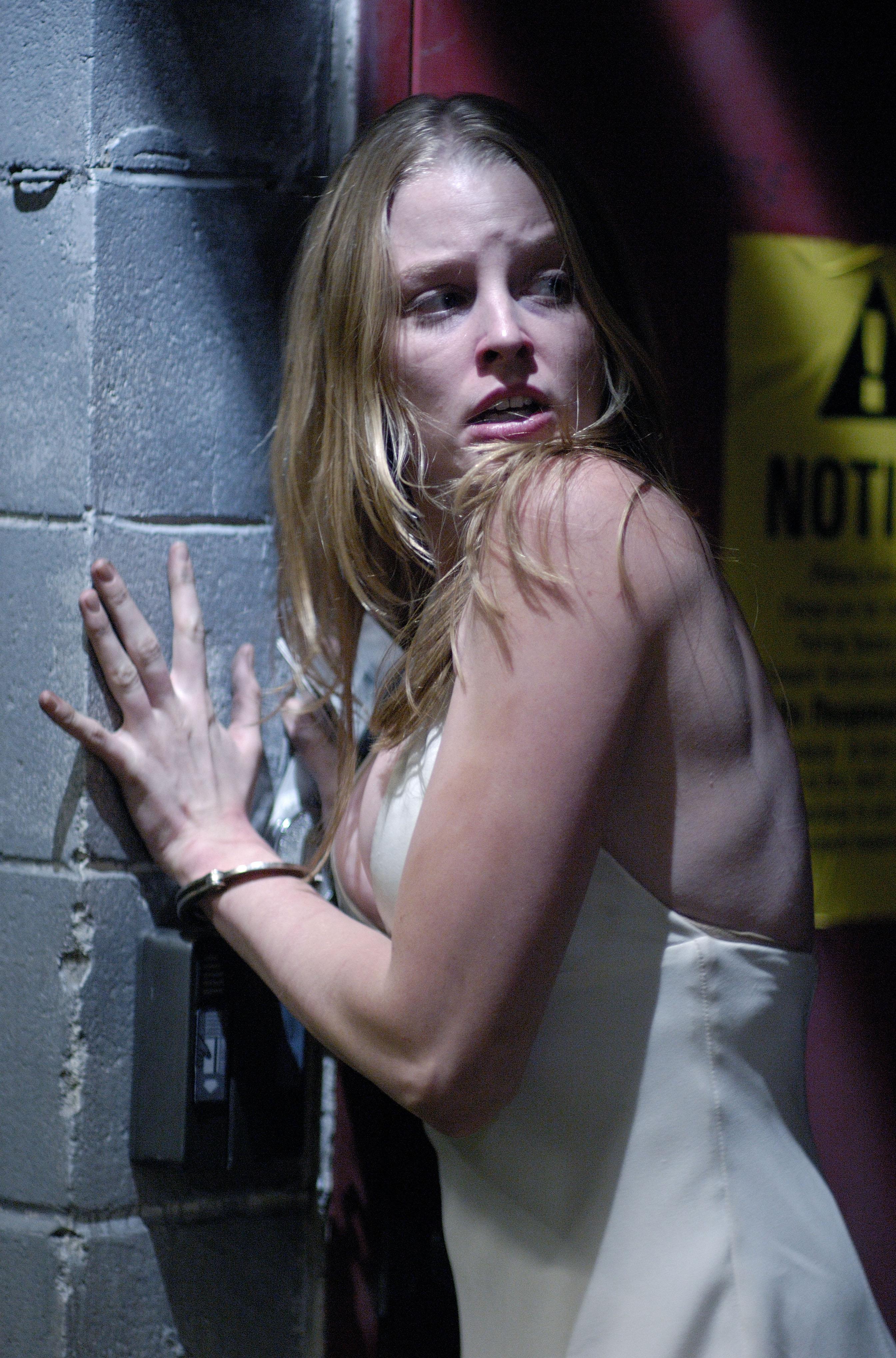Секс на подземной автостоянке 14 фотография