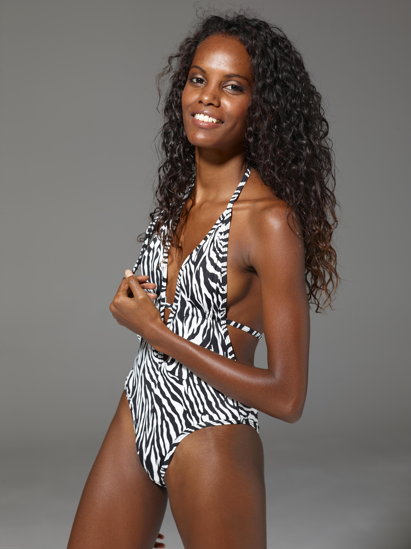 Tinja Barely Stays in a Zebra String Bikini Free Porn 4f